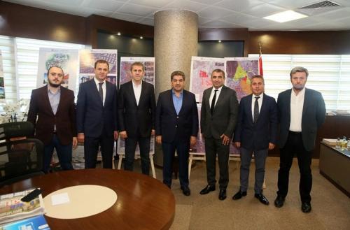 GAİMDER Başkanı Apa, Esenler Belediyesi'nin dönüşüm modelini yerinde inceledi
